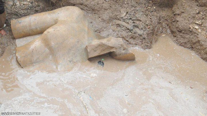 تمثال رمسيس الثاني يصل المتحف المصري
