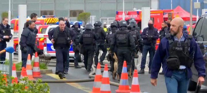 شرطة باريس تقتل رجلا بمطار أولي