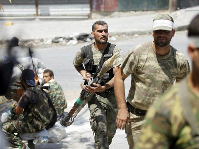 المعارضة  السورية المسلحة تتقدم في القلمون  وتنظيم الدولة يتراجع