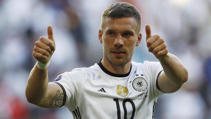اللاعب الألماني بودولكسي يعلن اعتزاله دوليا