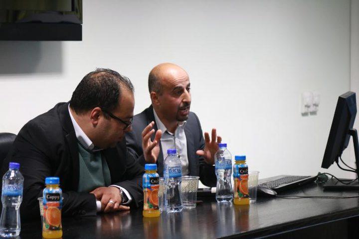 مشرف ترميم فسيفساء قبة الصخرة يزور جامعة النجاح