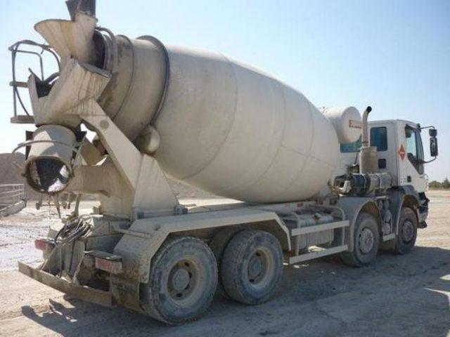 الاحتلال يصادر آليات ثقيلة جنوب بيت لحم