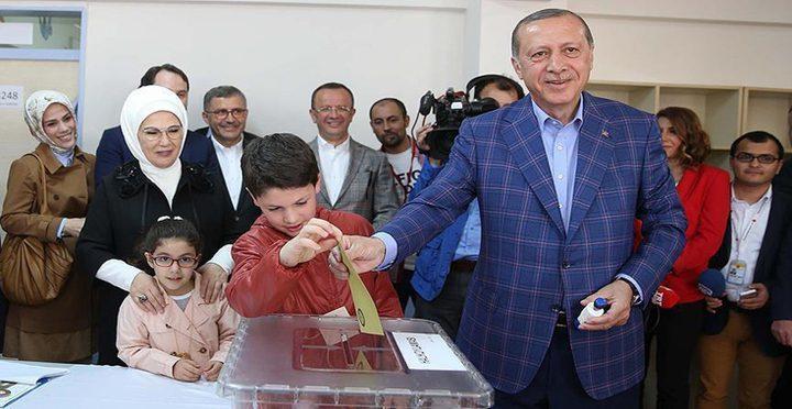 اردوغان: الأتراك دعموا التعديلات الدستورية باغلبية