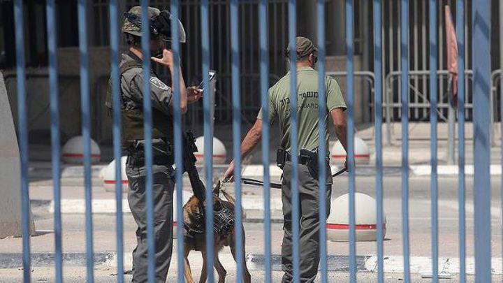 الاحتلال يبدأ بعقاب الأسرى المضربين