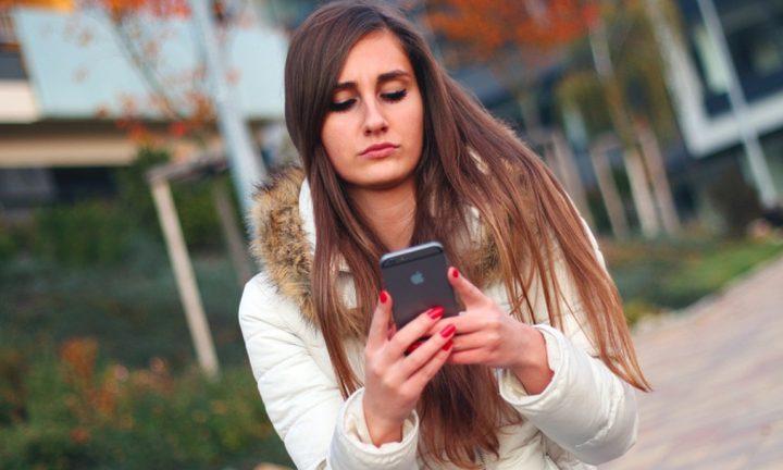 مخاطر الهاتف وتأثيرها على الرقبة