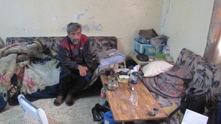 غسان هارون .. قصة رصاصة وحياة (صور)