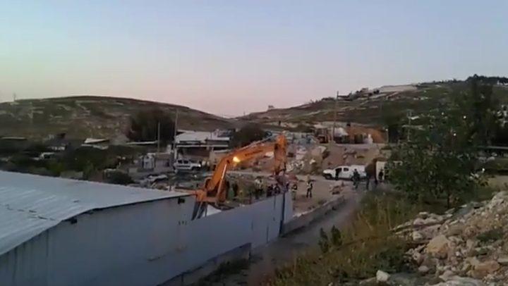 """الاحتلال يهدم مزرعة في العيسوية """"فيديو"""""""