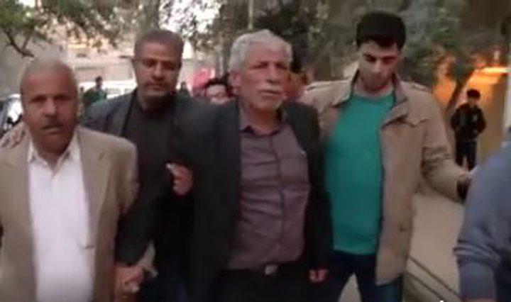 الرئيس يجري اتصالا هاتفيا مع المناضل محمود الزق للإطمئنان على صحته وسلامته