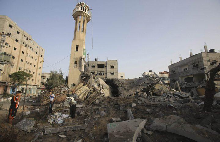 الأشغال توقع عقود مشاريع من المنحة الإيطالية لإعمار غزة
