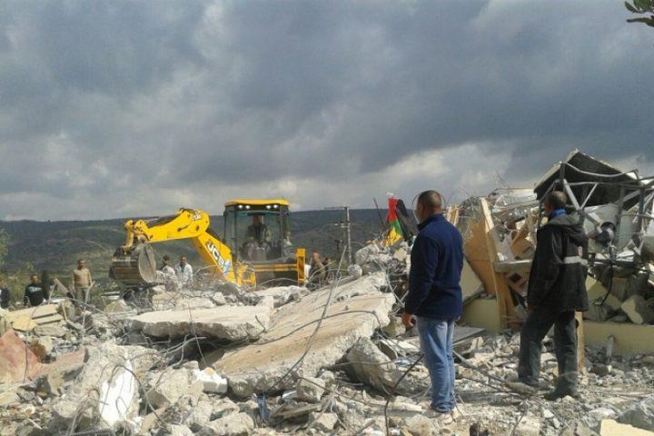 الاحتلال يهدم منزلا في النقب