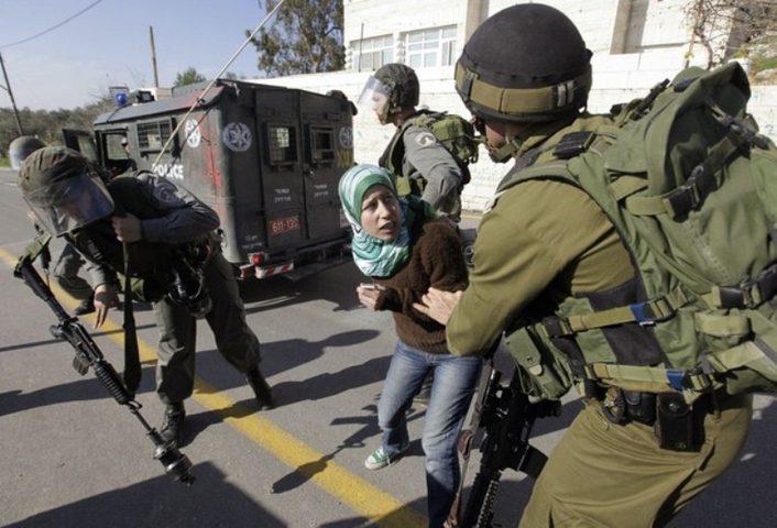 اعتقال شابة بسبب فيس بوك