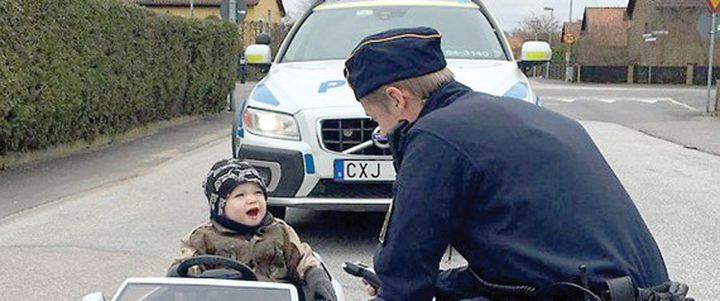 إيقاف طفل في السويد بتهمة القيادة المتهورة