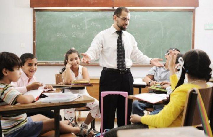 مقابلات المتقدمين للعمل كمدرسين بالكويت الأحد