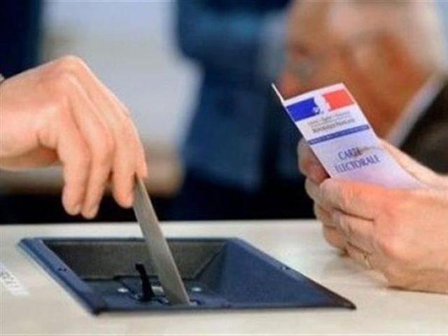 بدء الإقتراع في انتخابات الرئاسة بفرنسا
