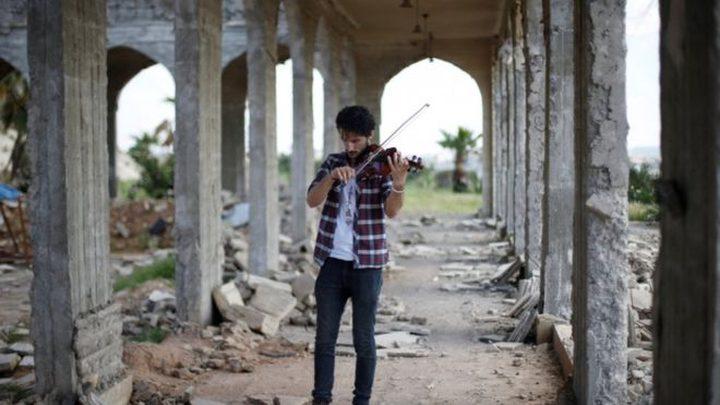 عازف كمان يتحدى داعش بحفل موسيقي بالموصل