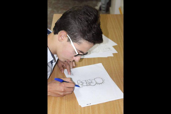 رسومات الطفل المشني تشق طريقها إلى عالم الكاريكاتير