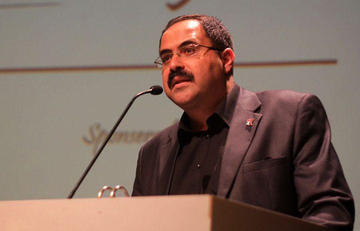 الاحتلال يحتجز الوزير صيدم في القدس ويفض ندوة