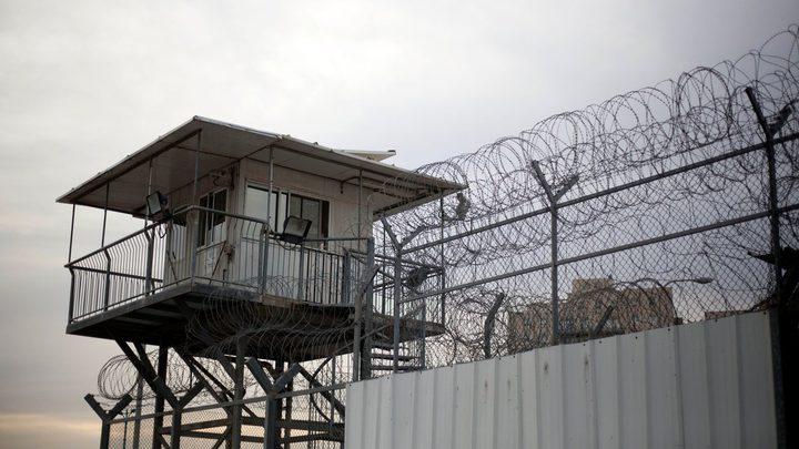 """أسرى جدد من سجن """"النقب"""" الصحراوي ينضمون للإضراب"""