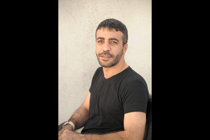 الاحتلال يعزل الأسير ناصر أبو حميد