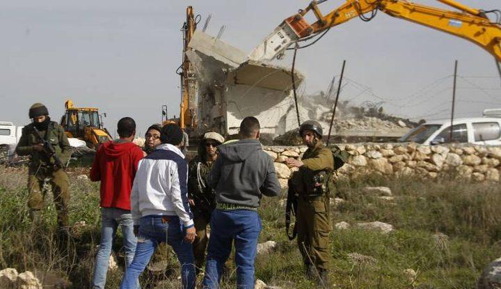 جرافات الاحتلال تواصل عمليات التجريف بالقرب من عرابة