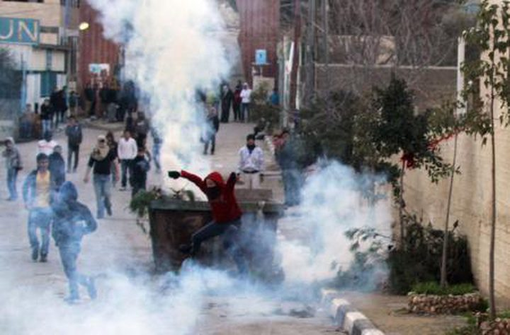 مخيم عايدة .. الاحتلال يطلق النار على شاب