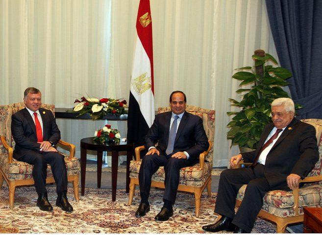 قمة فلسطينية مصرية أردنية قبل لقاء ترامب