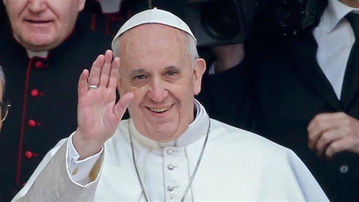 البابا فرانسيس يصل القاهرة وسط اجراءات امنية مشددة