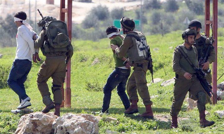 الاحتلال يعتقل أربعة مواطنين