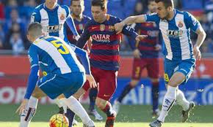 برشلونة يتفوق على اسبانيول بثلاثية