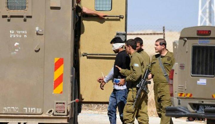 اعتقال شاب على معبر الكرامة