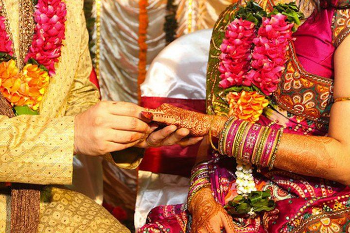 العصا للعرائس هدية من رئيس الوزراء الهندي!