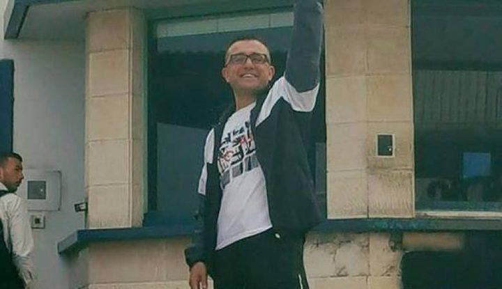 أسير يسلم نفسه للاحتلال لقضاء مدة محكوميته