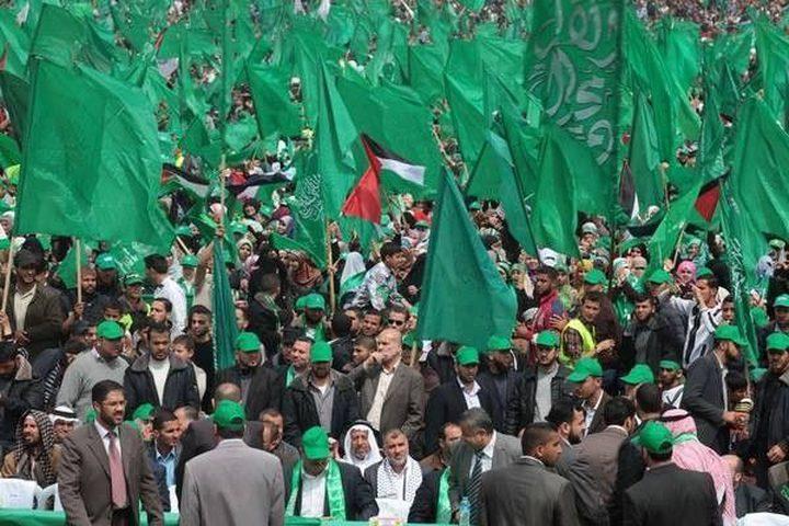 حماس تحذر مهددة أصحاب وسائل النقل من التعاقد مع فتح