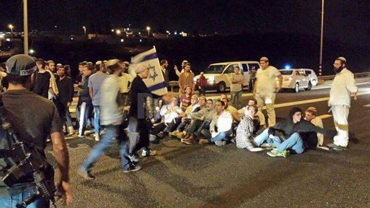 الاحتلال يغلق شارع حوارة جنوب نابلس