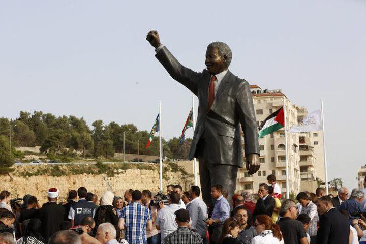 """في ذكرى النكبة: """"نيلسون مانديلا"""" يدعم نضال الأسرى"""