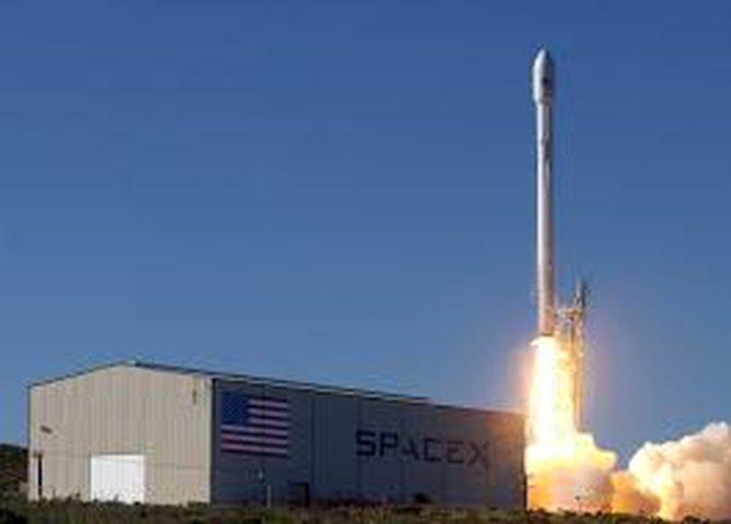 سبيس إكس تعيد إطلاق صاروخ فالكون 9