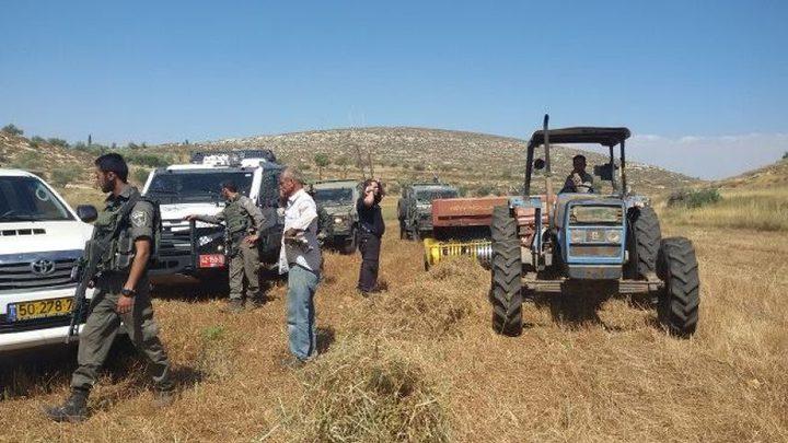 الاحتلال يستولي على جرار زراعي وصهريج مياه جنوب طوباس