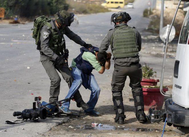 في يوم الصحافة... (28 )صحفياً في سجون الاحتلال