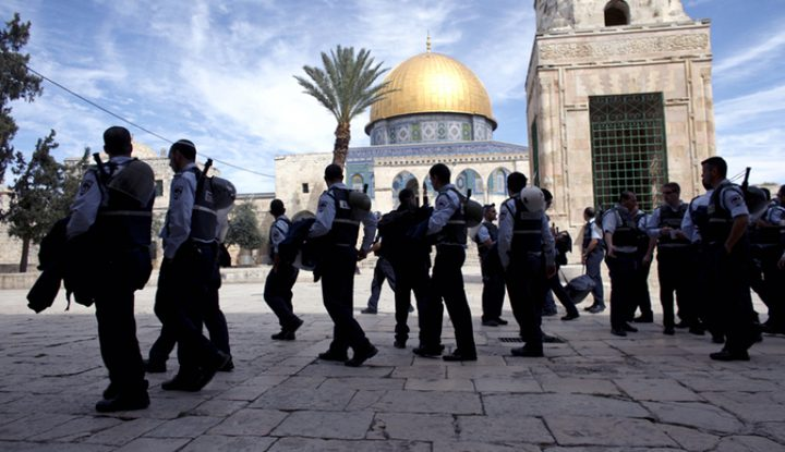 الاحتلال يعتقل 222 مقدسياً خلال نيسان