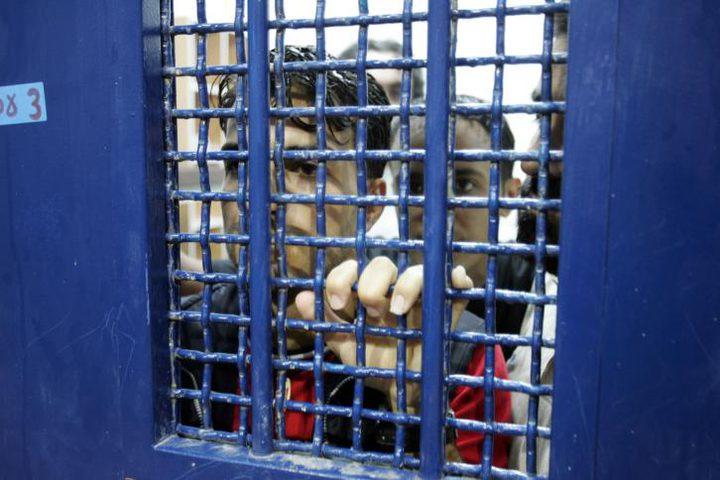 """القيادة الفلسطينية للمنادين بوقف رواتب الأسرى: """"إلعبوا بعيد"""""""