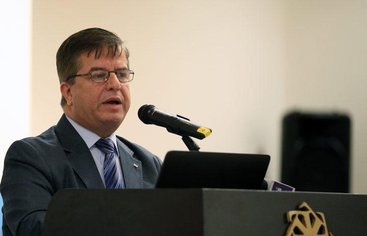 """وزير الصحة: التغذية القسرية تمثل """" حكماً بإعدام الاسرى"""""""