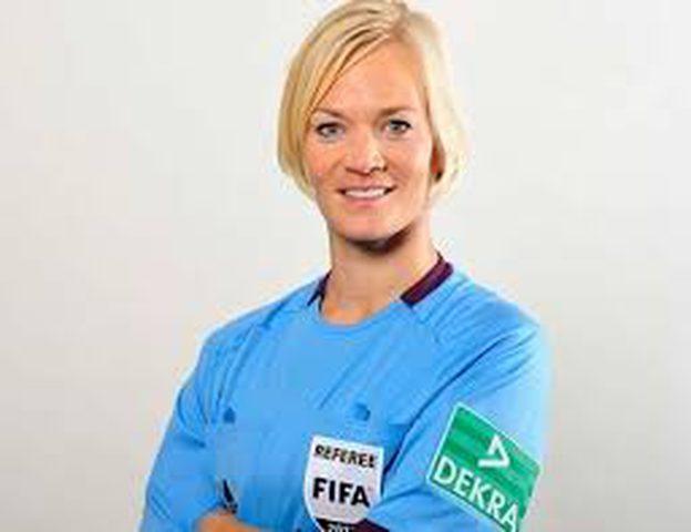 شتينهاوس أول امرأة تقود مباريات في الدوري الألماني