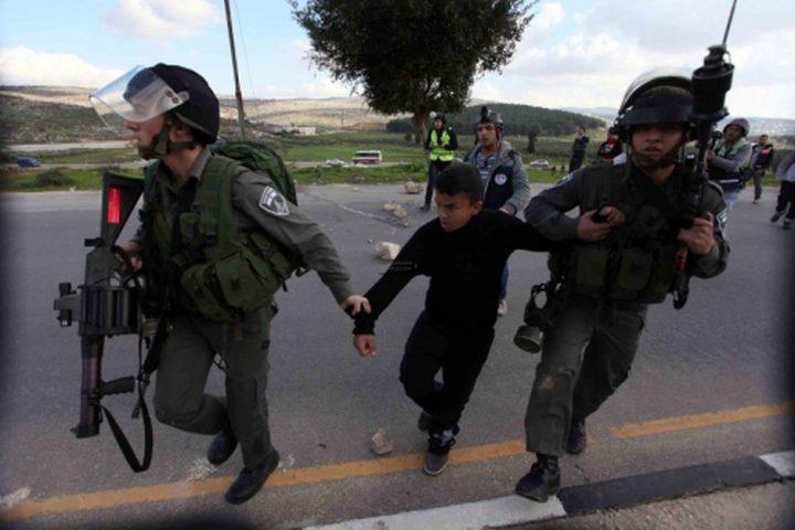 الاحتلال يعتقل مقدسيين بينهم ثلاثة أطفال