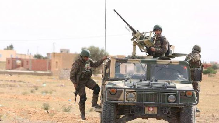 الجيش التونسي يلوح باستخدام القوة ضد المعتصمين