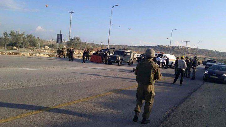 الاحتلال ينصب حاجزا عسكريا وسط تل الرميدة