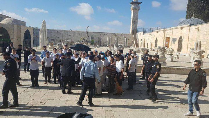 """مستوطنين يقتحمون الأقصى بذكرى احتلال القدس """"فيديو"""""""