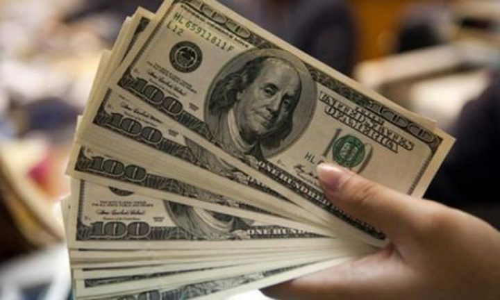 الدولار يتعافى من أدنى مستوياته في ستة أشهر ونصف