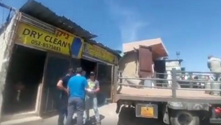 """الاحتلال يُخالف محال تجارية شرق القدس""""فيديو"""""""