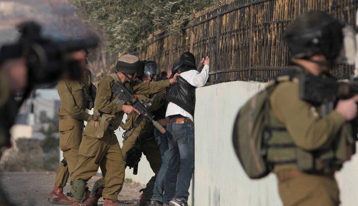 الاحتلال يعتقل مقدسيا لحيازته مفرقعات