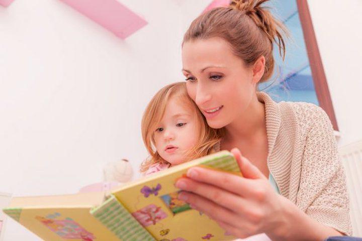قصص ما قبل النوم تعزز ذاكرة الطفل
